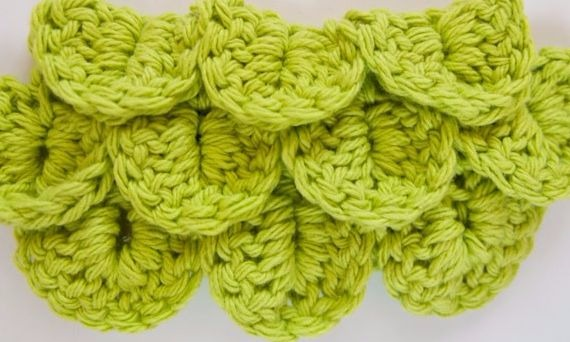 Crocodile stitch in crochet with video and photo tutorial