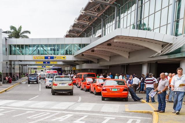 Exterior del Aeropuerto Internacional Juan Santamaría de San José