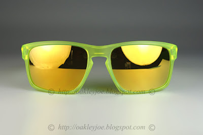 60beeb282ff matte uranium + prizm daily polarized  275 lens pre coated with Oakley  hydrophobic nano solution comes with complete original Oakley package