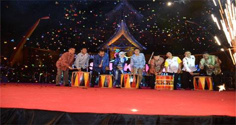 Deputi Bidang Pengembangan Pemasaran Wisata Hadiri Malam Grand Opening Tour De Singkarak 2017
