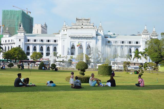 Batiment politique à Yangon
