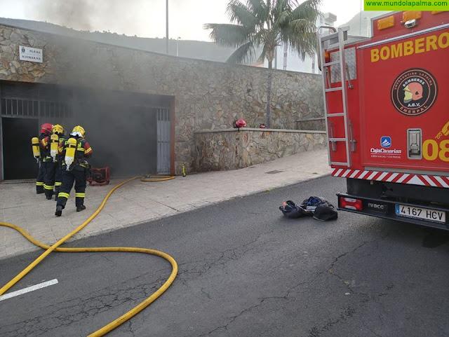 Dos coches afectados en un Incendio ayer en un garaje de Santa Cruz de La Palma