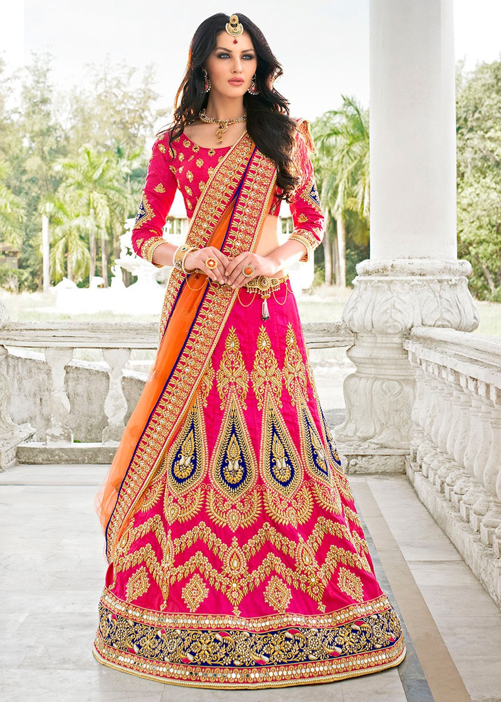 9879cbe686fa30 trend of Saree introduced in India. This is an aesthetic blend of the  traditional Saree and a Lehenga choli. Lehenga style saree is normally 4.5  meters to ...