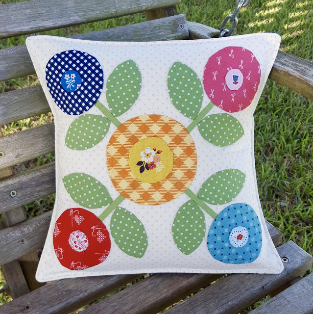 Bee Happy Blocks by Lori Holt adapted by Heidi Staples of Fabric Mutt