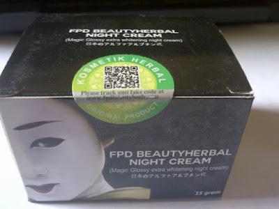 Magic Glossy Extra Whitening Cream Pemutih Wajah