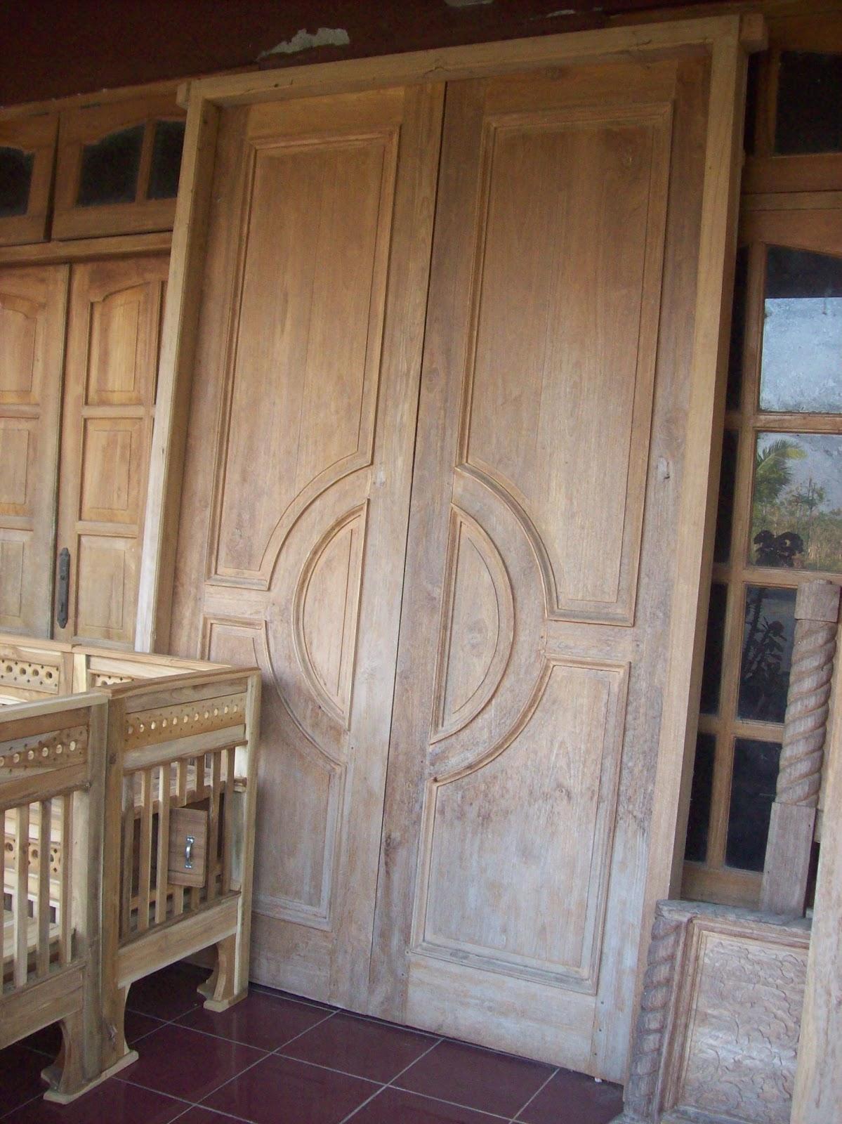 MULYA JATI FURNITURE: Pintu Rumah, Berbahan Kayu Jati