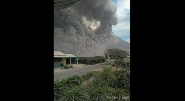 Video Erupsi Gunung Sinabung