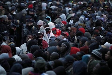 Szijjártó: a svéd miniszterelnök Magyarországra is rá akarja kényszeríteni az illegális bevándorlókat