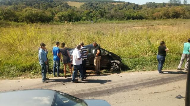 Colisão frontal entre caminhão e carro deixa vítima fatal na BR-491 em Varginha, MG - Fotos: Rede Sociais