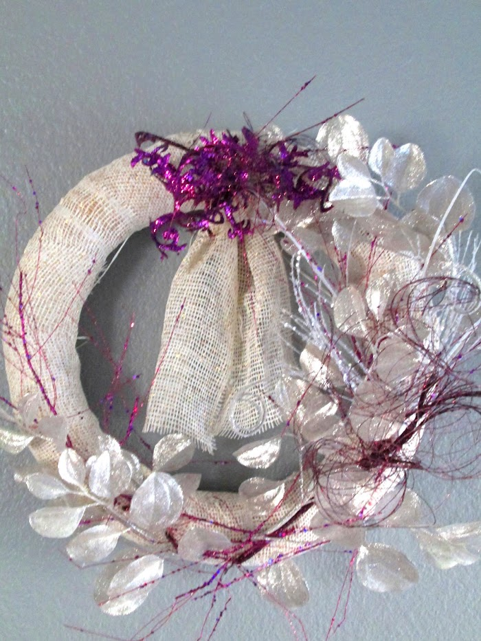 Paint and Frame a Wreath