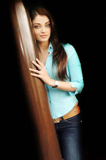 Aishwarya Rai In Jeans And Top