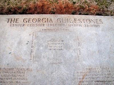 Georgia Guidestones Deutsch