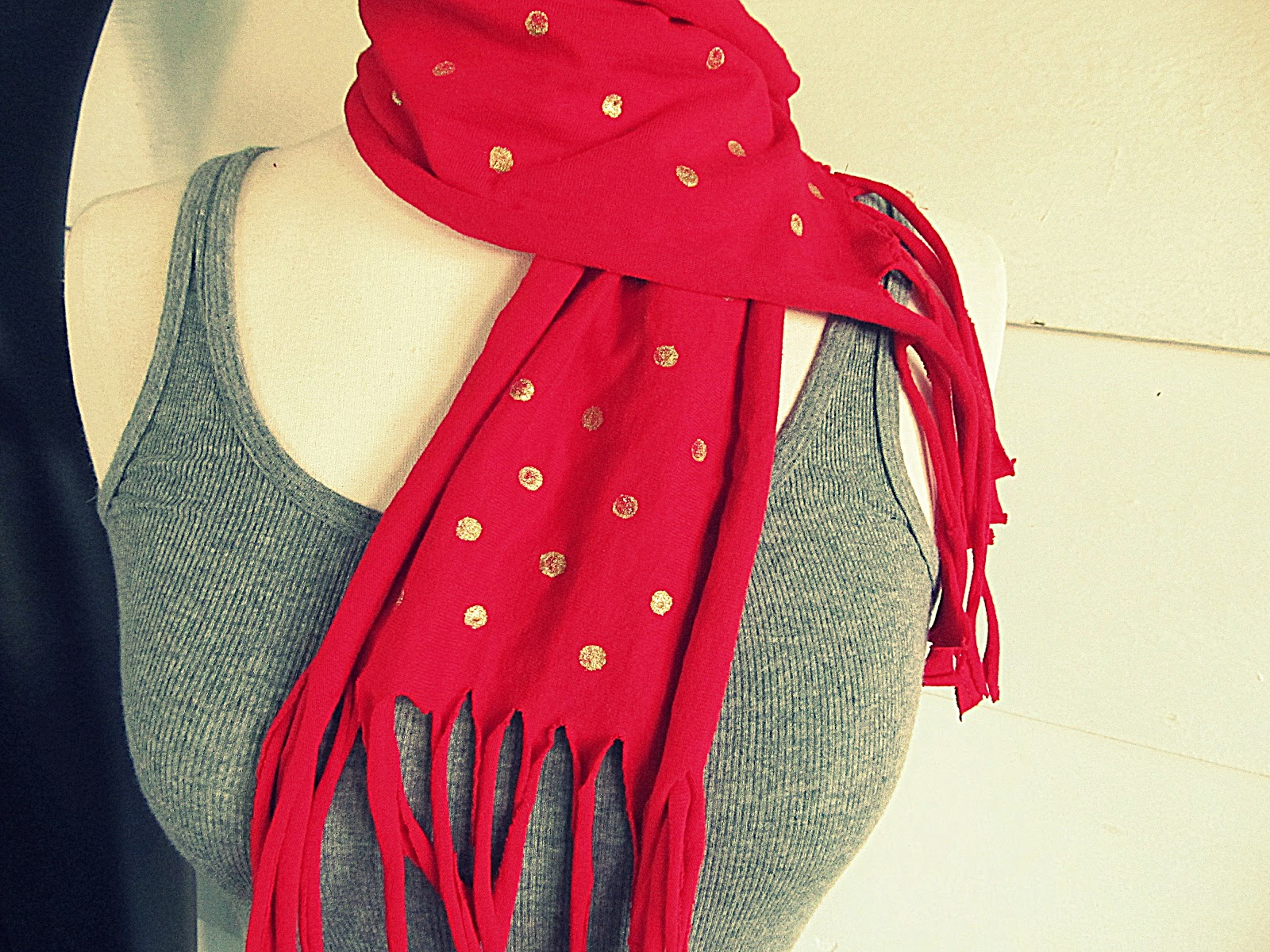 Make The Cut >> WobiSobi: Red T-shirt Scarf With Gold Polka Dots, DIY