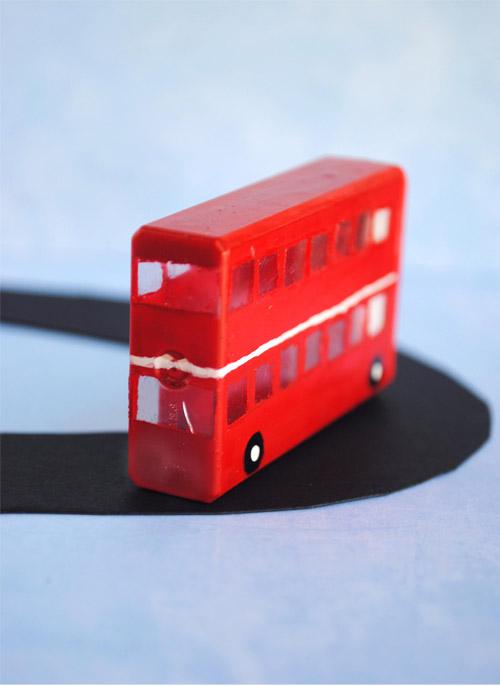 https://i1.wp.com/4.bp.blogspot.com/--Syh45BZ7vs/UBdekOrrO1I/AAAAAAAAI5E/IIW-vnw-CyQ/s1600/london+bus+kid+craft+2.jpg?resize=450%2C619