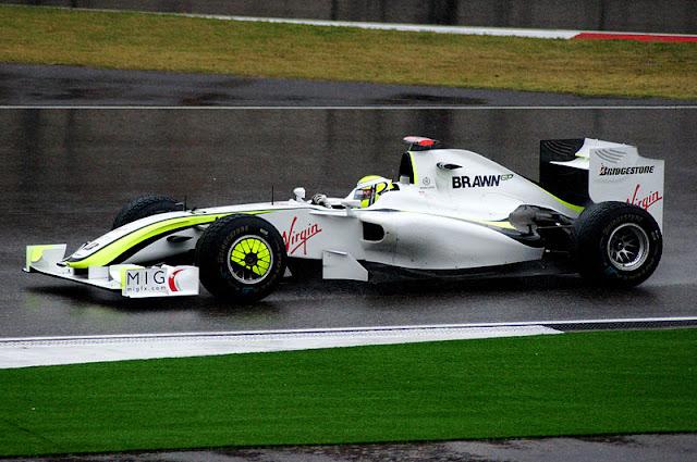 Gambar Mobil Balap F1 Brawn 01