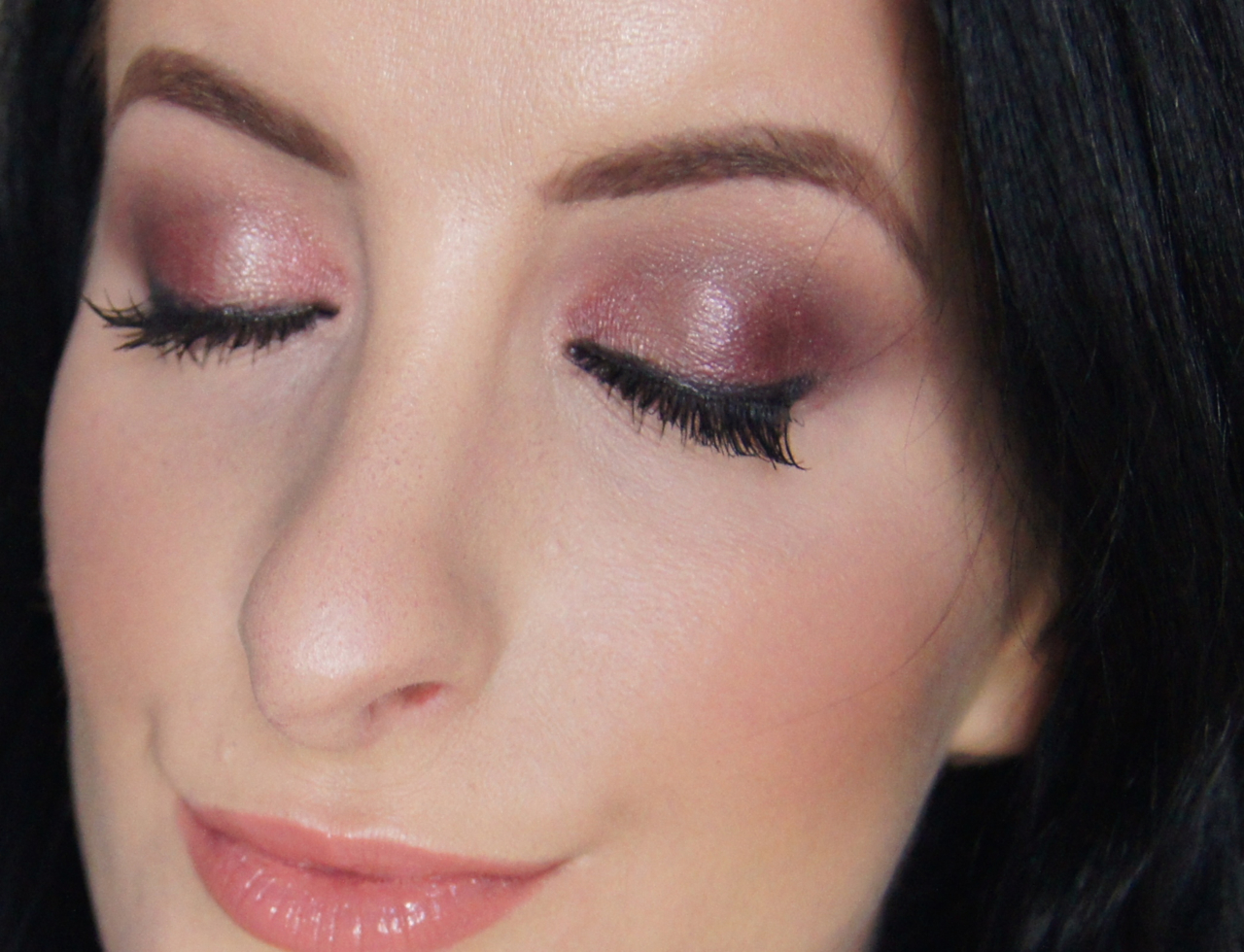 valentine's day glam date night makeup look tutorial glowing skin purple eye nude glossy lip