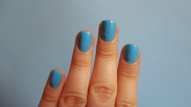 esmalte azul claro da china