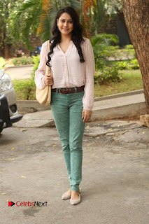 Actress Panchi Bora Pictures in Jeans at Evaru Movie Press Meet  0164.JPG
