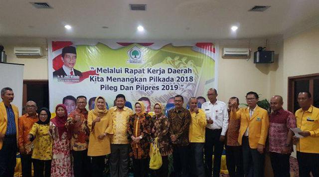 Heboh Soal Foto Bersama dan Spanduk 'Lanjutkan', Besok Pagi Bawaslu Riau Panggil 5 Kadis yang Diduga Terlibat Politik Praktis