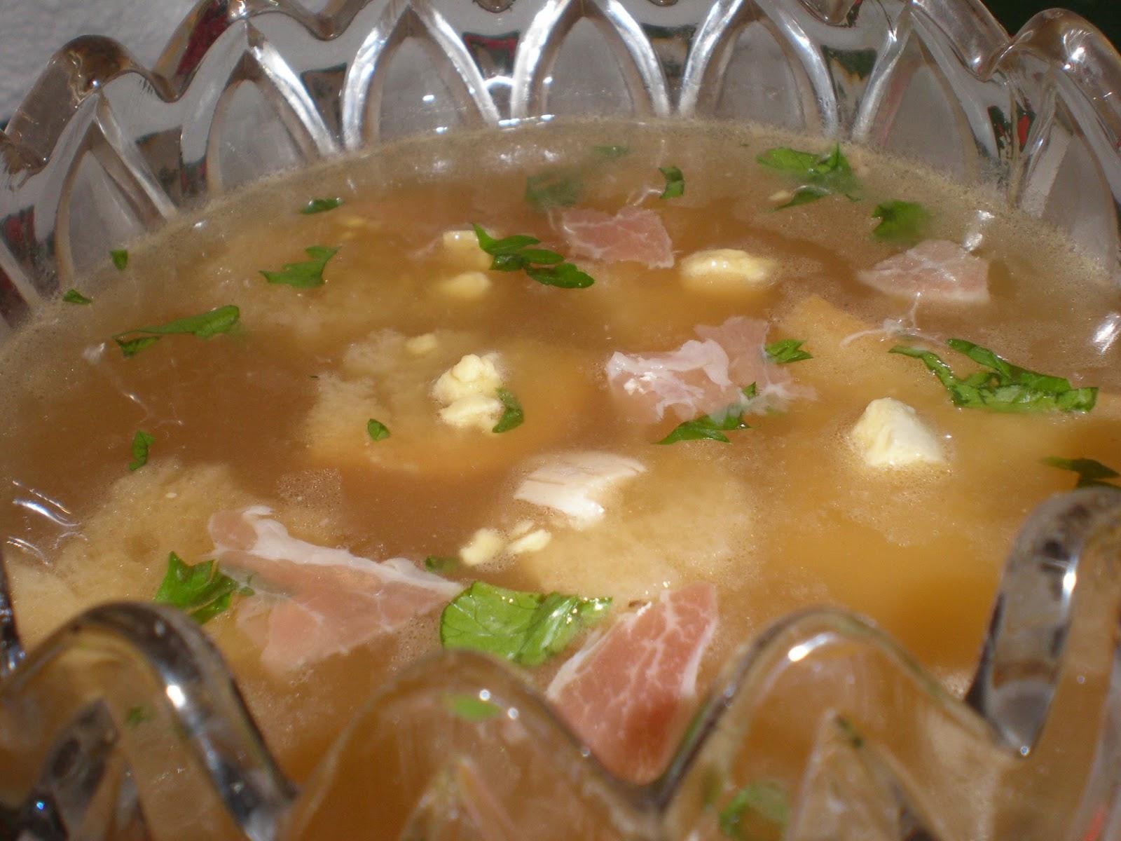 Consom de navidad o sopa de picadillo receta de la for Consome de navidad