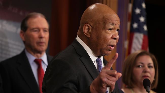 US President Donald Trump promoting 'textbook racism' by pardoning Arpaio: Elijah Cummings