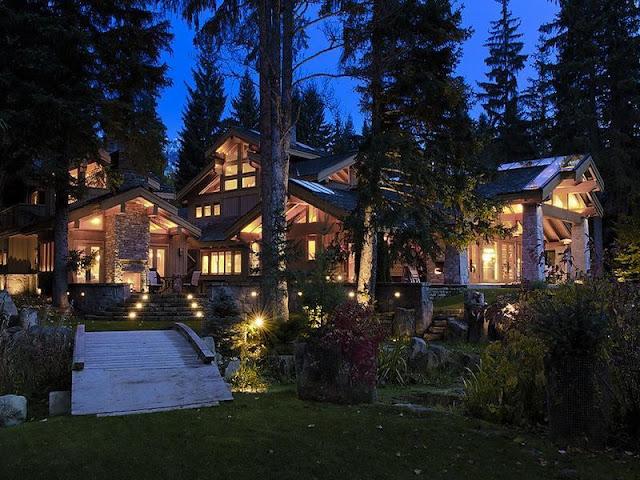 A Modern Resort Home with Swiss Alps Vista A Modern Resort Home with Swiss Alps Vista luxury whistler skil chalet crabapple drive 7