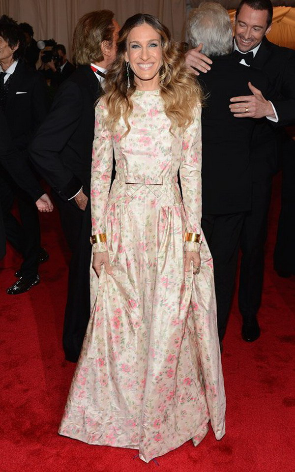 Sarah Jessica Parker Wear Valentino Prom Dress To Attend The 2017 Met Ball Costume Insute Gala Red Carpet