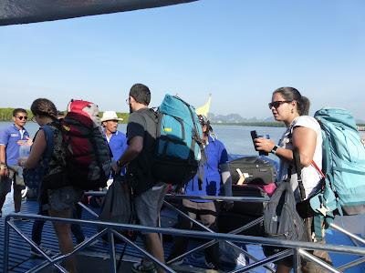 ferry Andaman Wavemaster, Krabi, Tailandia, La vuelta al mundo de Asun y Ricardo, vuelta al mundo, round the world, mundoporlibre.com