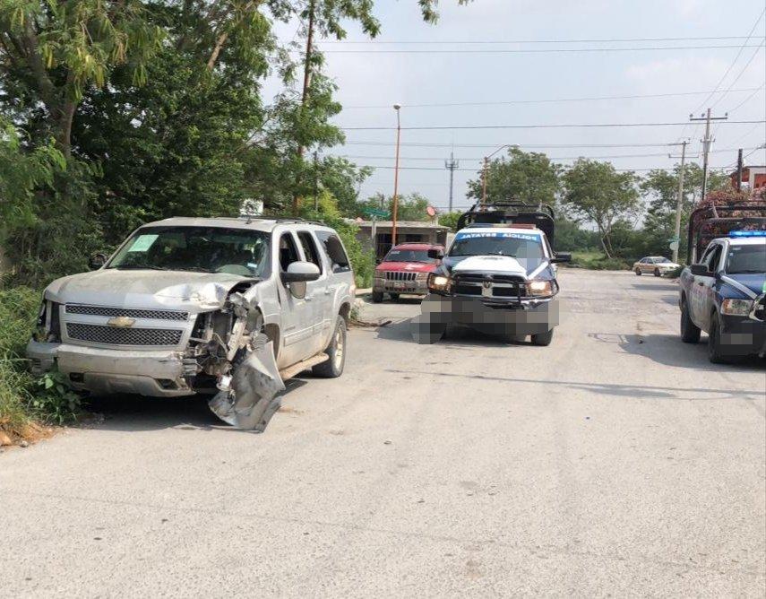 Sicarios desatan enfrentamiento al rafaguear a estatales en Reynosa, huyen y abandonan camioneta.