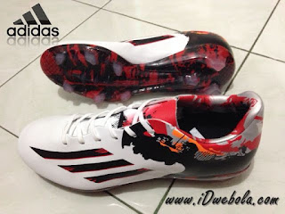 Sepatu Bola Adidas Pibe de Barr
