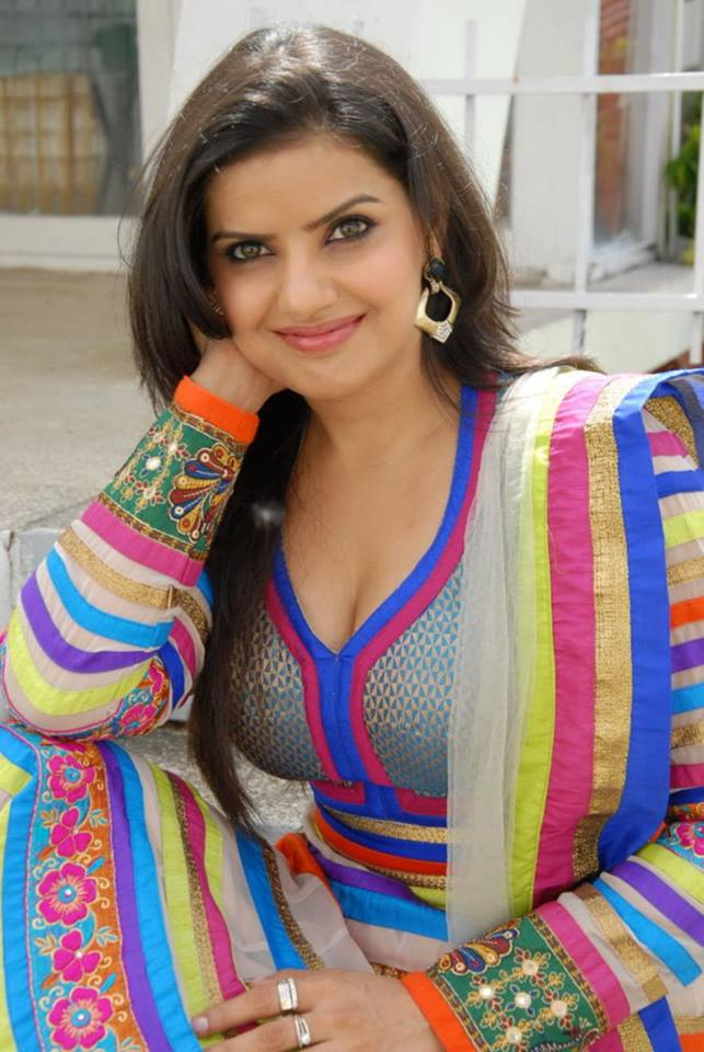 Madhu Sharma Wallpapers - Latest Bhojpuri Heroine Madhu Sharma Hot wallpaper, Pics, Image