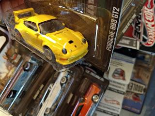 hot wheels boulevard porsche yellow gt2 993
