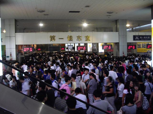 COMBOIOS NA CHINA | Tudo o que precisa saber para andar de comboio na China