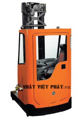 xe nâng điện reach truck ngồi lái