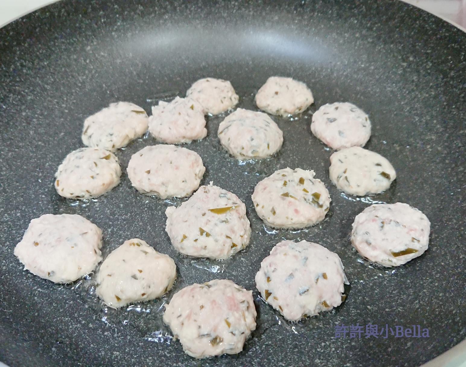 BB食譜:軟綿綿迷你昆布豆腐漢堡扒|許許與小Bella