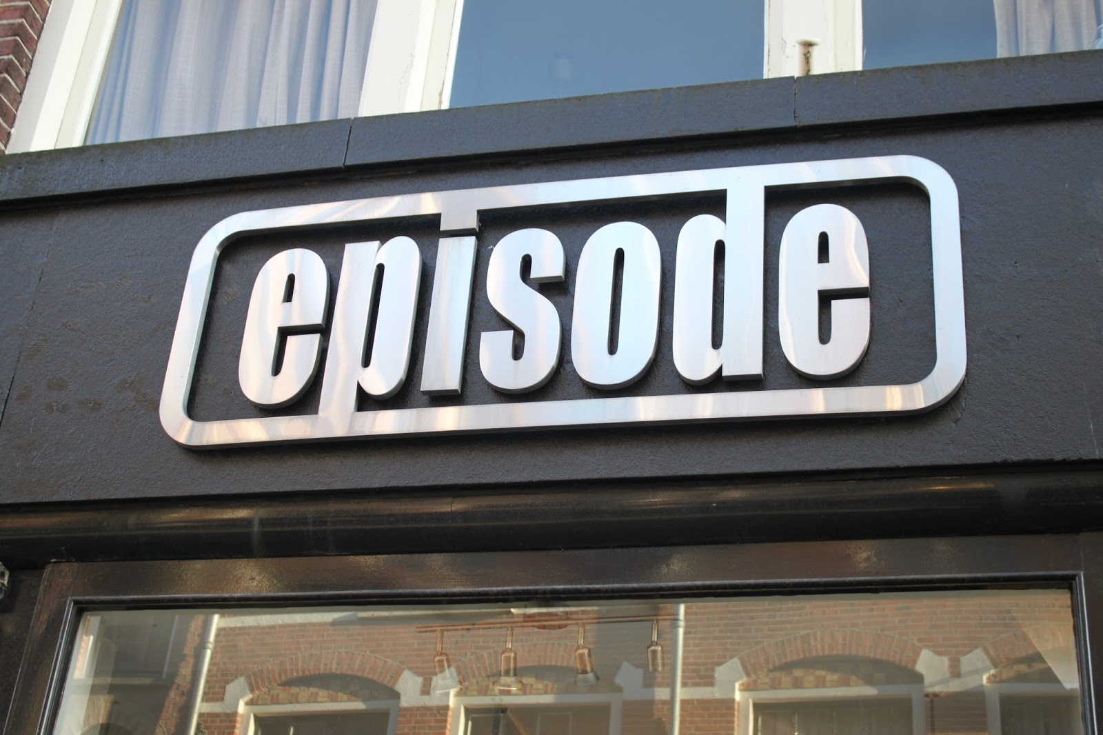 "An image of the ""Episode Vintage"" shop front"