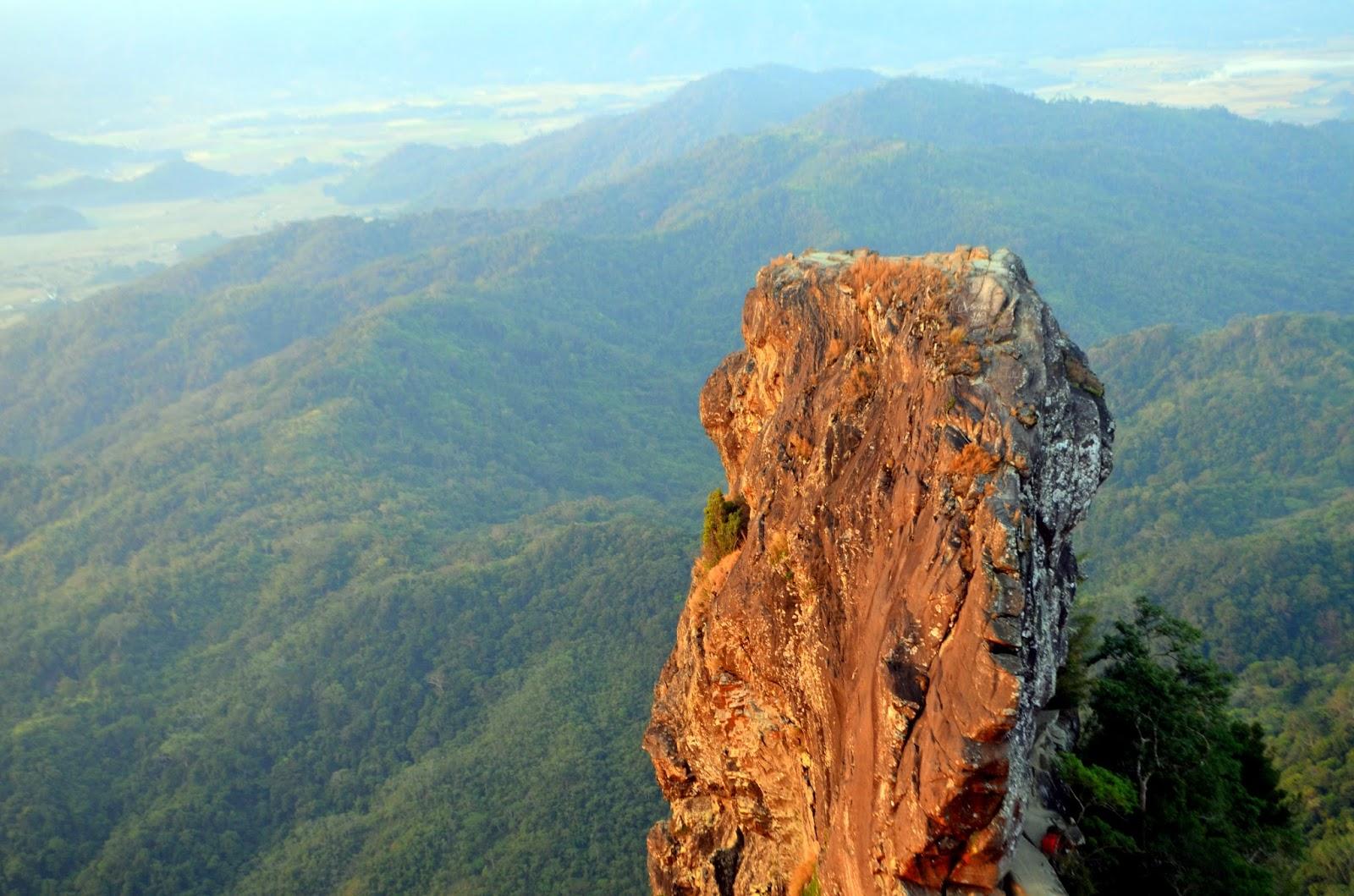Monolith Pico De Loro