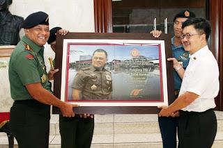 TNI Terima Hibah Keramik 35.000 m2