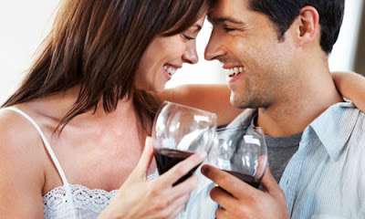 4 Rules for Drinking on the First Date,man woman love romance