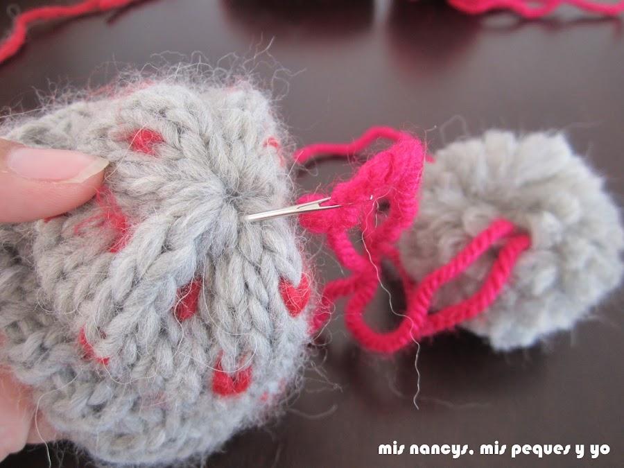 mis nancys, mis peques y yo, tutorial gorros de lana nancy, añadir pompón