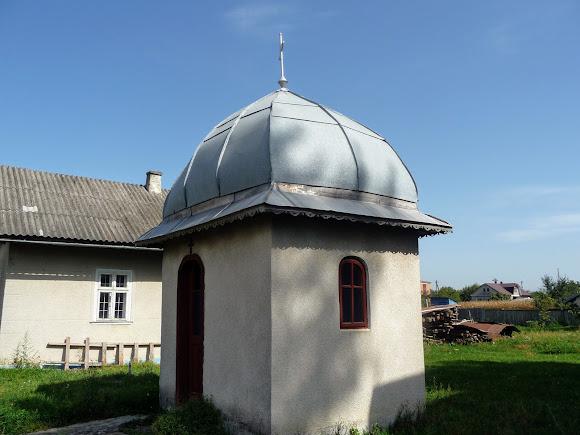 Лужаны. Свято-Вознесенская церковь. Часовня
