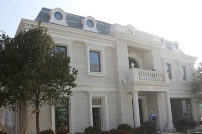 WinSun's 3-D printed mansion. Photo: WinSun