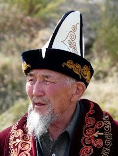 Kyrgyz alkalpak white felted hat