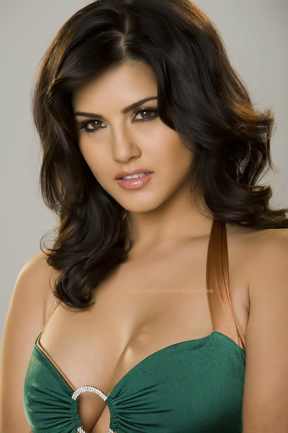 Fukrey Look Sunny Leone Hot Hd Wallpapers-1053