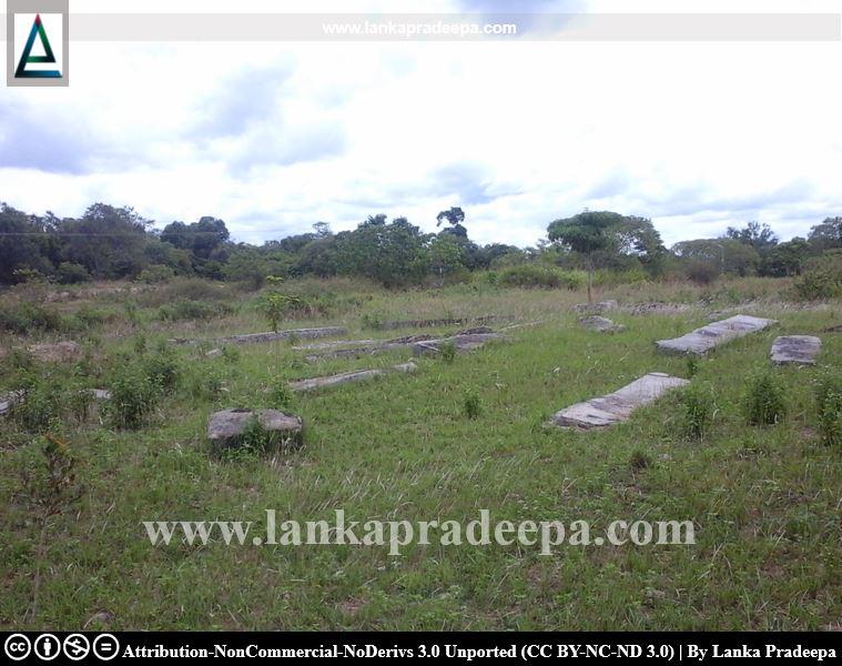 Scattered ruins, Rambaken Oya