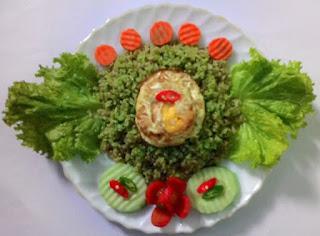 Siapa sih yang tidak kenal dengan kuliner yang satu ini Resep Cara Membuat Nasi Goreng Hijau Sedap Mantap