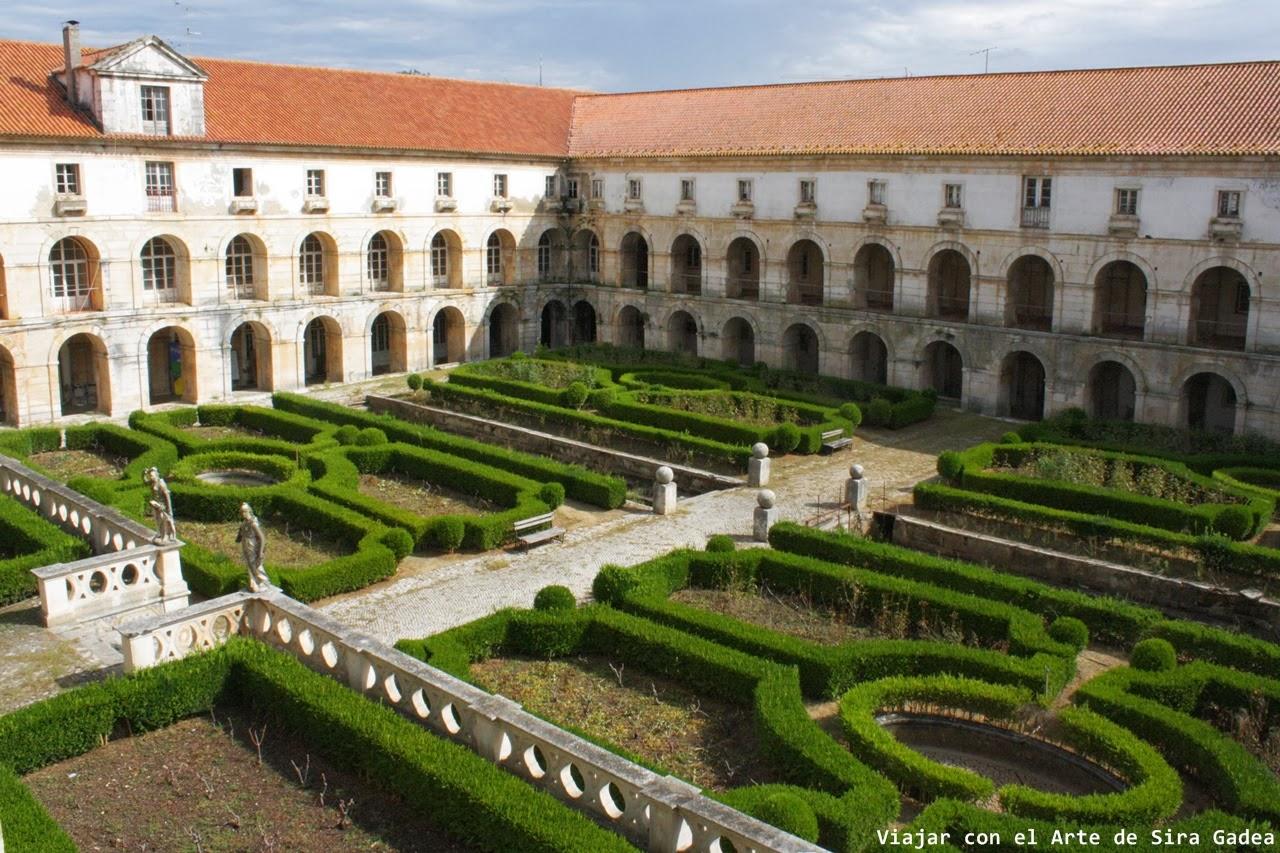 claustro do cardeal Alcobaça