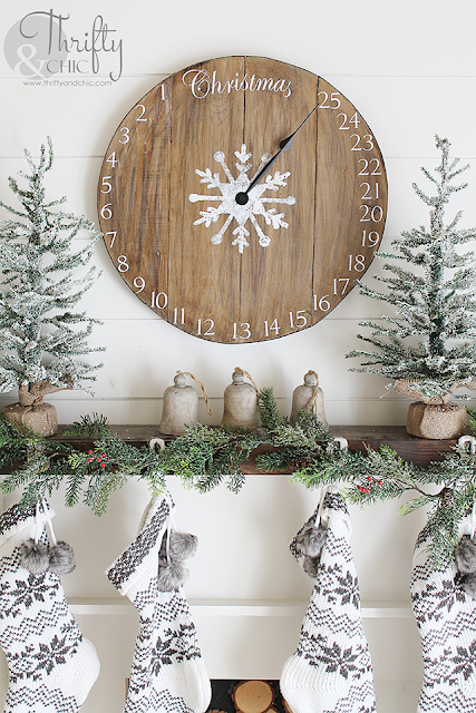 DIY wood clock christmas advent calendar! Easy and simple project!
