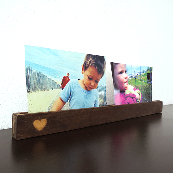 http://www.ohohblog.com/2014/06/diy-wooden-picture-holder.html
