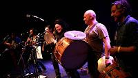 https://musicaengalego.blogspot.com/2018/02/fotos-zurrumalla-na-sala-rebullon.html